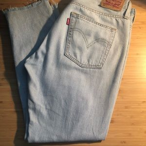 Levi's Light blue jeans with embroidery at calf